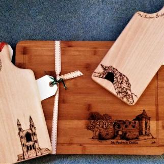 Wood chopping and serving boards with pyrography