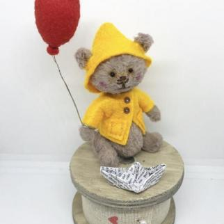 Beary Tales -  Collectable  Miniature Bears